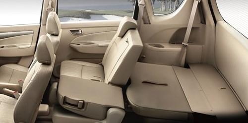 Chọn mua xe ô tô gia đình: Ưu tiên xe ô tô có hàng ghế 2 và 3 gập tiện lợi.
