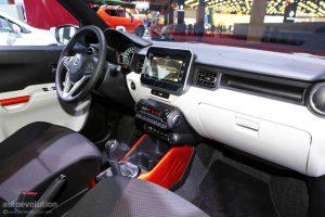 Dự kiến, khi có mặt trên thị trường châu Âu vào tháng 1 năm sau, Suzuki Ignis sẽ có giá khởi điểm khoảng 10.500 Bảng, tương đương 301 triệu Đồng. Ignis sẽ được định vị cao hơn người anh em Celerio trong dàn sản phẩm của Suzuki tại thị trường lục địa già.