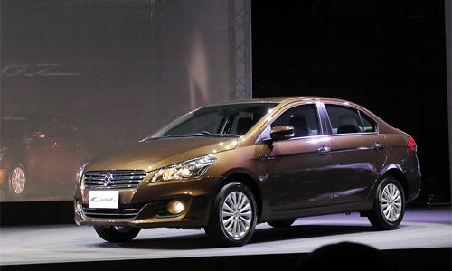 Suzuki-Ciaz-2015-1.jpg