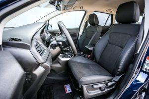 Cao cấp nhất là bản Top có cảm biến đỗ xe trước/sau, la-zăng hợp kim 2 màu, hệ thống hỗ trợ phanh radar và kiểm soát hành trình thích ứng. 2 tính năng cuối cùng là trang thiết bị hoàn toàn mới của dòng Suzuki S-Cross.