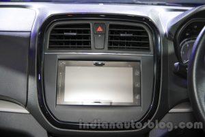 Riêng bản trang bị ZDi+ cao cấp nhất có hệ thống thông tin giải trí với màn hình cảm ứng SmartPlay.