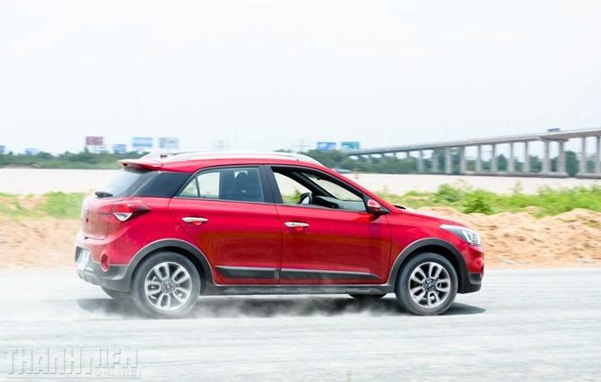 Nên chọn Ford EcoSport, Hyundai i20 Active hay Suzuki Vitara? - ảnh 9