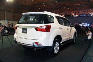 Isuzu MU-X định giá 899 triệu đồng, đối đầu Toyota Fortuner - ảnh 5