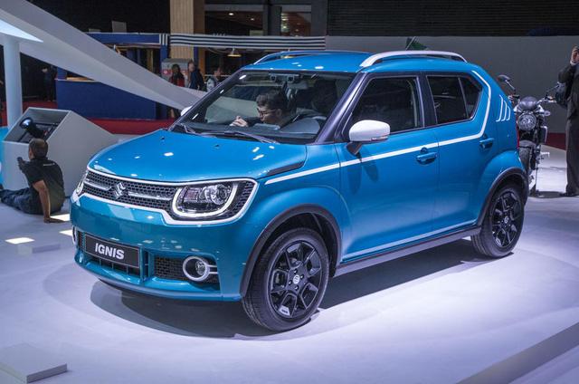 Về thiết kế, Suzuki Ignis lấy cảm hứng từ những đàn anh như Cervo và Vitara thế hệ đầu tiên. Ngoài ra, Suzuki Ignis còn gợi liên tưởng đến Swift thế hệ cũ. Có thể nói, tuy sở hữu diện mạo nhỏ bé nhưng Suzuki Ignis không hề bị lu mờ trong rừng xe mới tại triển lãm Paris 2016.
