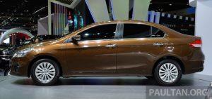 Suzuki Ciaz sở hữu các số đo cơ bản của Suzuki Ciaz bao gồm chiều dài tổng thể 4.490 mm, rộng 1.730 mm, cao 1.485 mm và chiều dài cơ sở của xe đạt mức 2.650 mm.