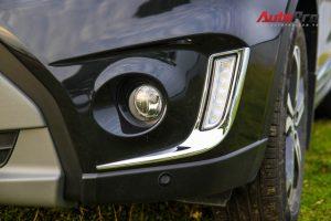Đèn chiếu sáng ban ngày DRL dạng LED kết hợp khá hài hòa với đèn sương mù.