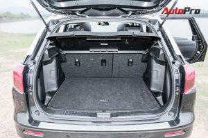 Cốp xe rộng rãi và có thể gập phẳng với hàng ghế trước.