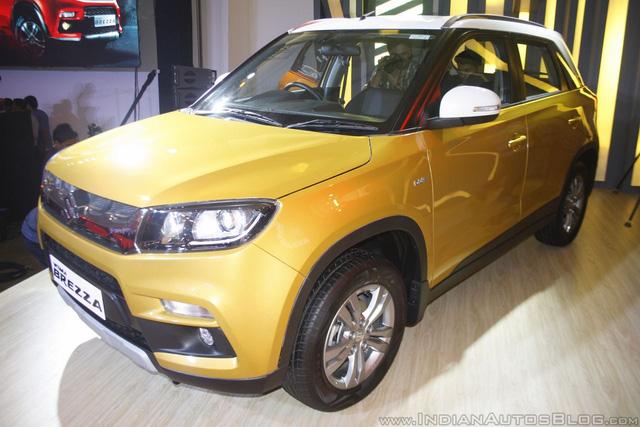 Tại thị trường đông dân này, Suzuki Vitara Brezza có 6 bản trang bị khác nhau. Giá bán của Suzuki Vitara Brezza dao động từ 699.000 - 968.000 Rupee, tương đương 231 - 320 triệu Đồng.