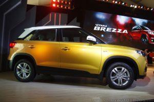 Suzuki Vitara Brezza về cơ bản là một mẫu xe crossover cỡ nhỏ. Với chiều dài tổng thể dưới 4 mét, Suzuki Vitara Brezza là đối thủ cạnh tranh trực tiếp của những mẫu xe như Ford EcoSport và Mahindra TUV300.